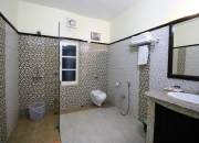 Deluxe Suite Bath