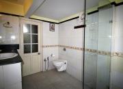 Premier Room Bath (2)